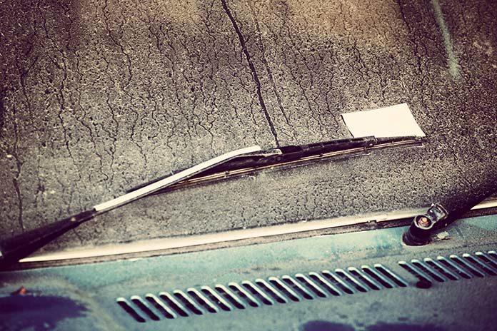 Wycieraczki samochodowe - jak o nie dbać?